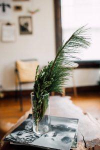 NHỮNG CÁCH ĐƠN GIẢN ĐỂ TRANG TRÍ GIÁNG SINH VỚI CHI PHÍ THẤP NHẤT ChristmasDecorationsMinimalistChristmasDecorOnABudget 14