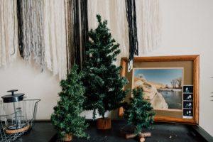 NHỮNG CÁCH ĐƠN GIẢN ĐỂ TRANG TRÍ GIÁNG SINH VỚI CHI PHÍ THẤP NHẤT ChristmasDecorationsMinimalistChristmasDecorOnABudget 3