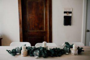 NHỮNG CÁCH ĐƠN GIẢN ĐỂ TRANG TRÍ GIÁNG SINH VỚI CHI PHÍ THẤP NHẤT ChristmasDecorationsMinimalistChristmasDecorOnABudget 4