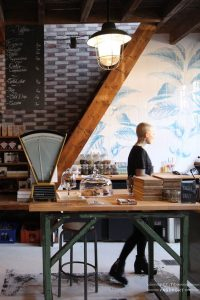 Coffeeshops And Cafes You Wish You Lived In 32025d7417c0092935b49a5616a63355