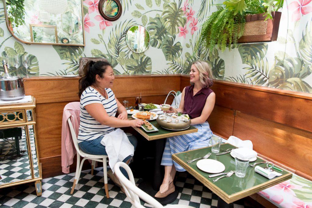 Leo's Oyster Bar - Nhà hàng phong cách nhiệt đới vô cùng ấn tượng thiet ke nha hang phog cach nhiet doi 3