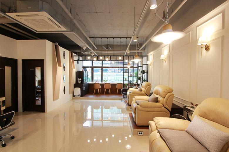 Chiêm ngưỡng không gian Nail cao cấp tại Hàn Quốc mau thiet ke salo nail dep 14