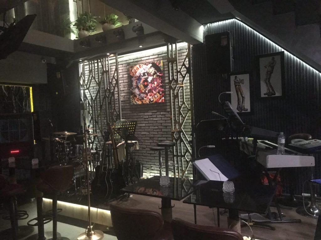 Bee Tee Cee - khám phá tổ hợp Bar-Lounge -Rooftop độc đáo tại HCM thiet ke thi cong bar club 10