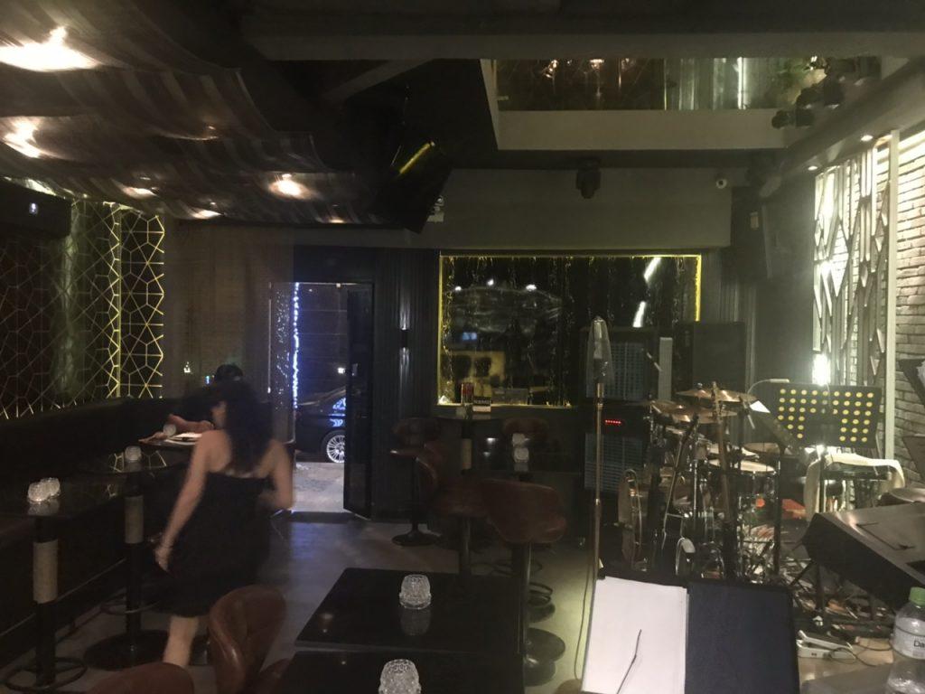 Bee Tee Cee - khám phá tổ hợp Bar-Lounge -Rooftop độc đáo tại HCM thiet ke thi cong bar club 11