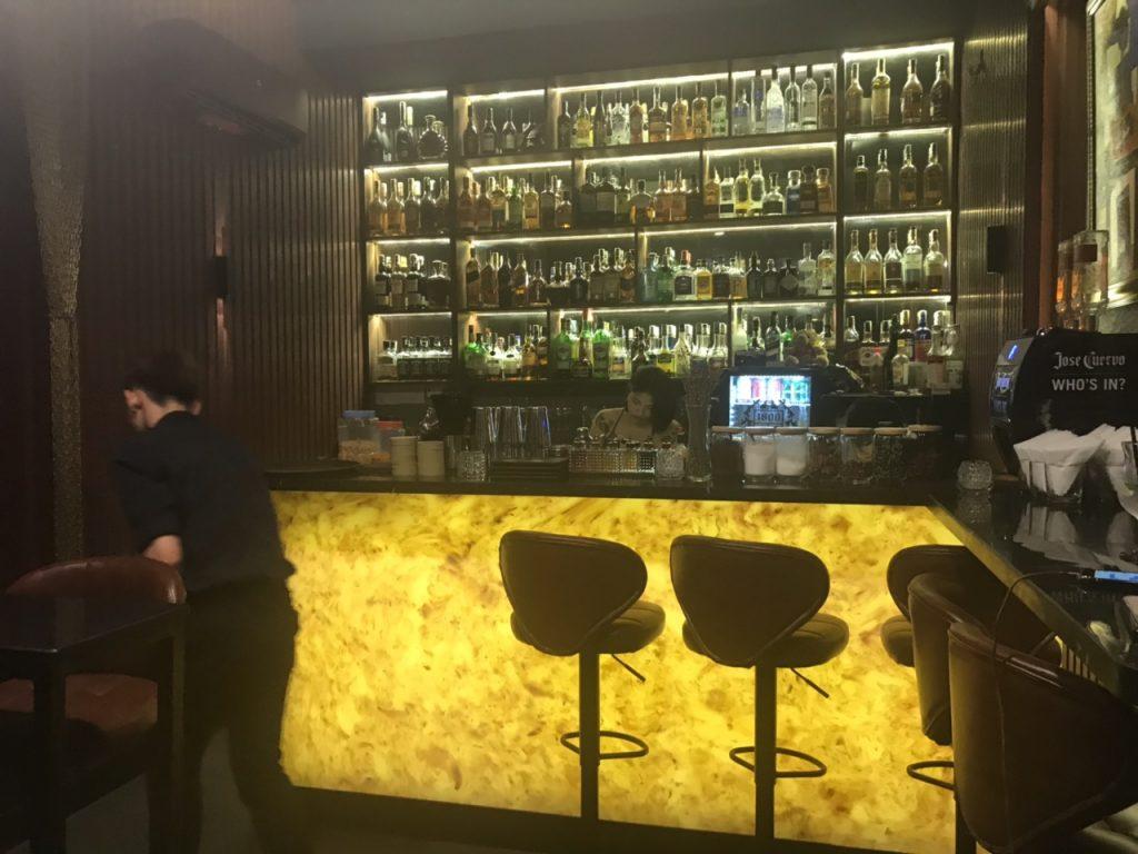 Bee Tee Cee - khám phá tổ hợp Bar-Lounge -Rooftop độc đáo tại HCM thiet ke thi cong bar club 12