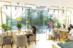 38 Flower Market Tea House - Mô hình kinh doanh độc đáo của Starup nổi tiếng thiet ke quan cafe tea flower 3