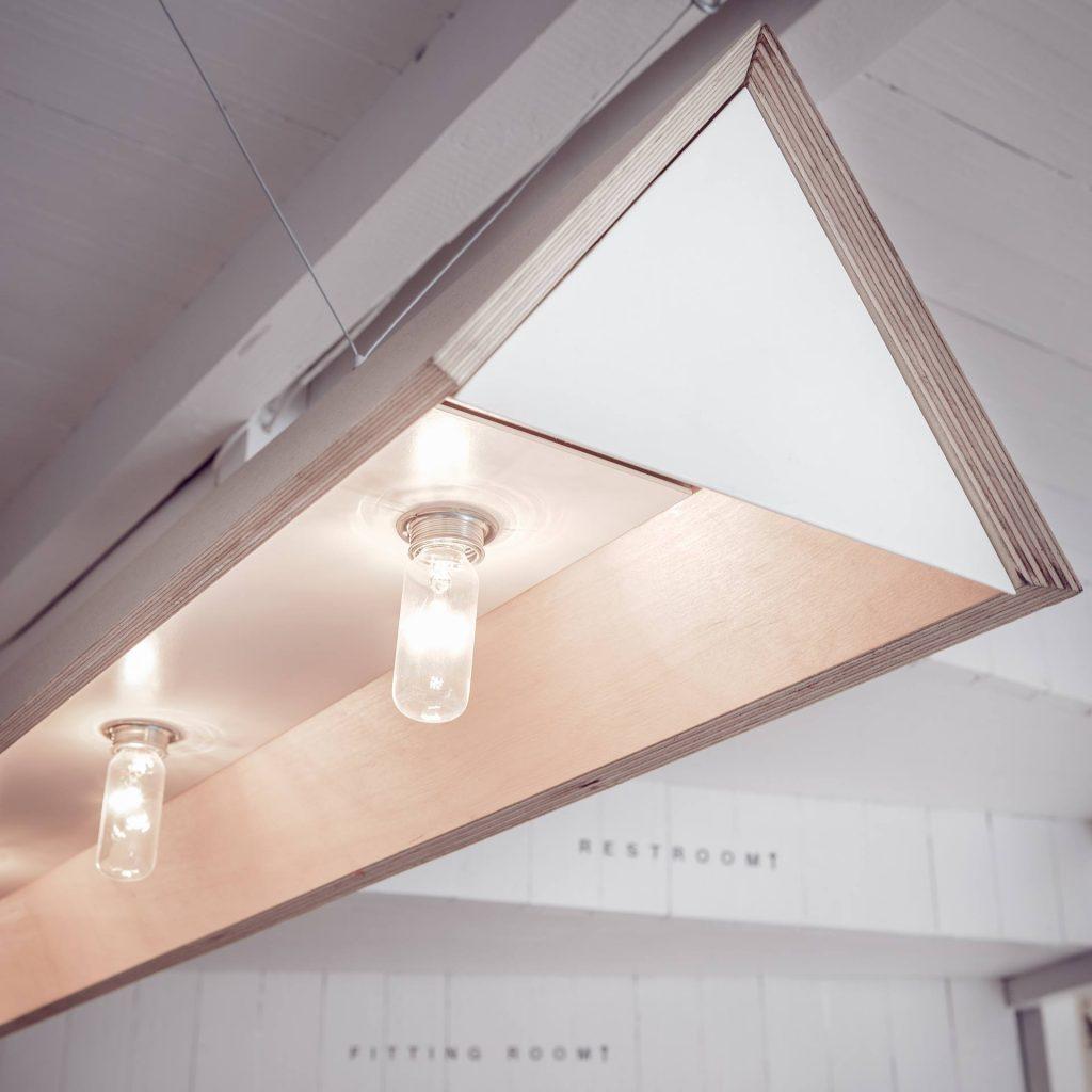 Ấn tượng mô hình cafe kết hợp shop thời trang thiet ke cafe shop 4