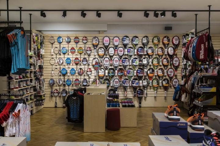 Thiết kế cửa hàng thời trang và dụng cụ thể thao chuyên nghiệp thoi ke shop thoi trang the thao 6