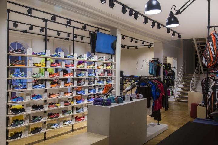 Thiết kế cửa hàng thời trang và dụng cụ thể thao chuyên nghiệp thoi ke shop thoi trang the thao 9