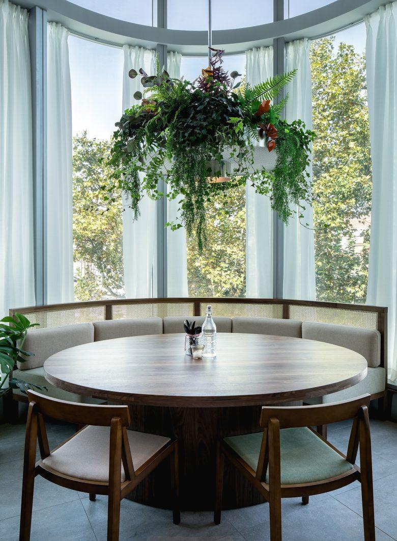 Không gian nhà hàng phá cách với phong cách nội thất TROPICAL thiet ke nha hnag phong cach nhiet doi 13