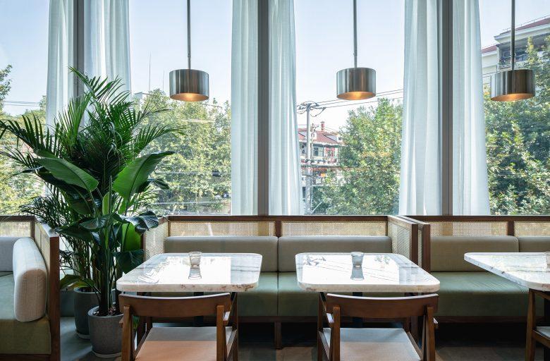 Không gian nhà hàng phá cách với phong cách nội thất TROPICAL thiet ke nha hnag phong cach nhiet doi 7