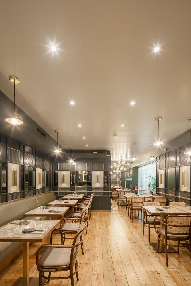 Thiết kế nội thất nhà hàng - Yếu tố giúp chủ đầu tư kinh doanh thành công thiet ke noi that nha hang hien dai 11