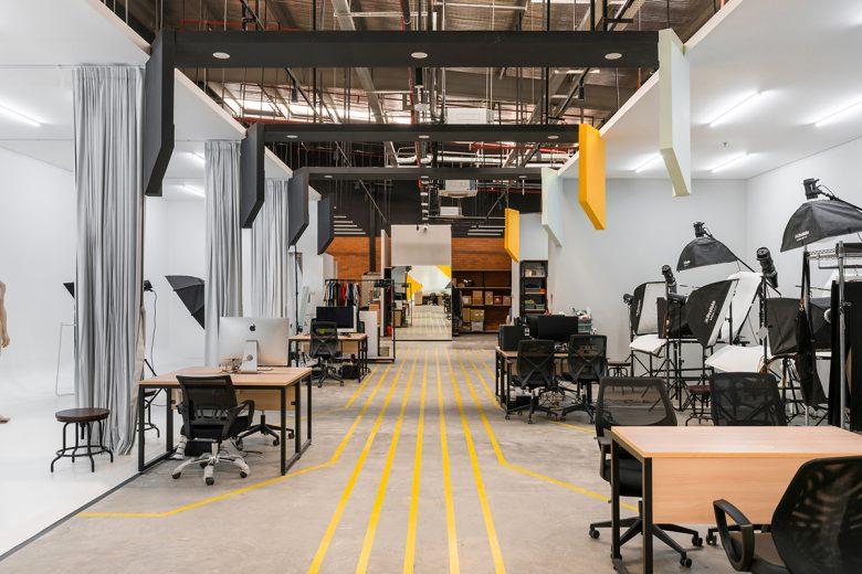 Văn phòng làm việc thiết kế phong cách công nghiệp hiện đại thiet ke van phong phong cach cong nghiep 1