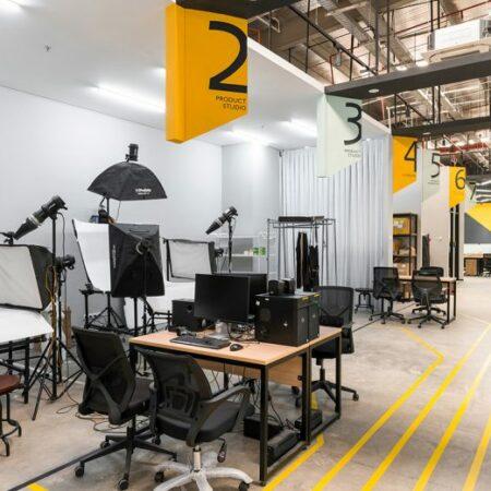 Văn phòng làm việc thiết kế phong cách công nghiệp hiện đại